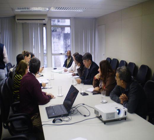 Moradores do Macedônia conhecem projeto de UPA