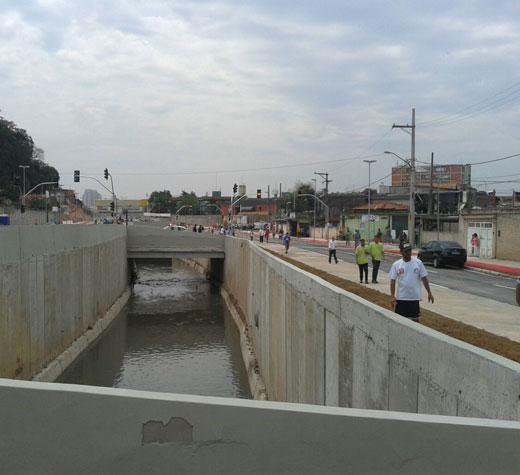 Ponte-nova-canalizado