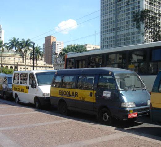 Projeto amplia acesso de alunos ao transporte escolar gratuito
