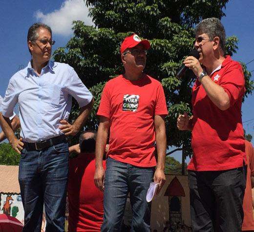 Vereador participa de ato na Brasilândia contra impeachment