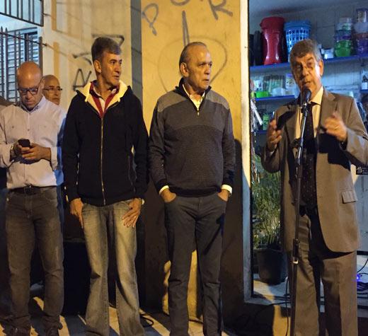 Vereador anuncia asfaltamento em ruas do Arvão e Jd. das Flôres