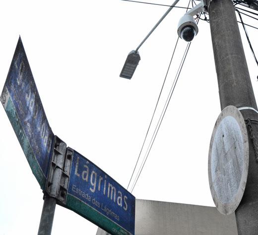 Câmeras e luz de LED funcionam juntas em piloto em Heliópolis