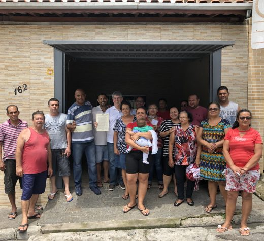 Donato e moradores festejam regularização do Jd. Meliunas