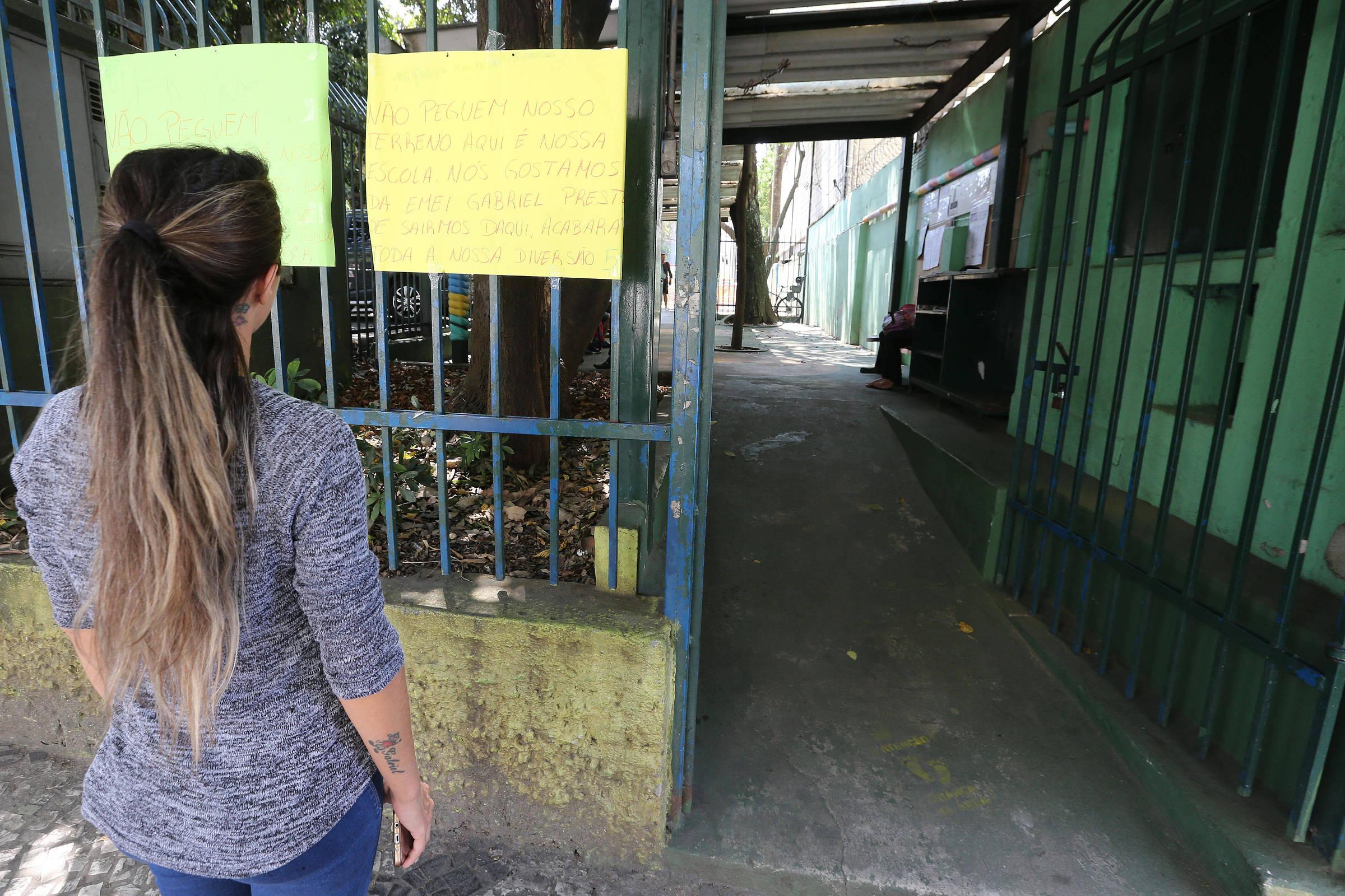 Escolas são retiradas do pacote de venda de áreas públicas