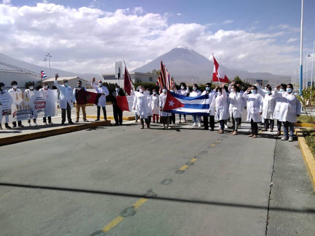 Frente Parlamentar apoia campanha do Nobel da Paz aos Médicos Cubanos